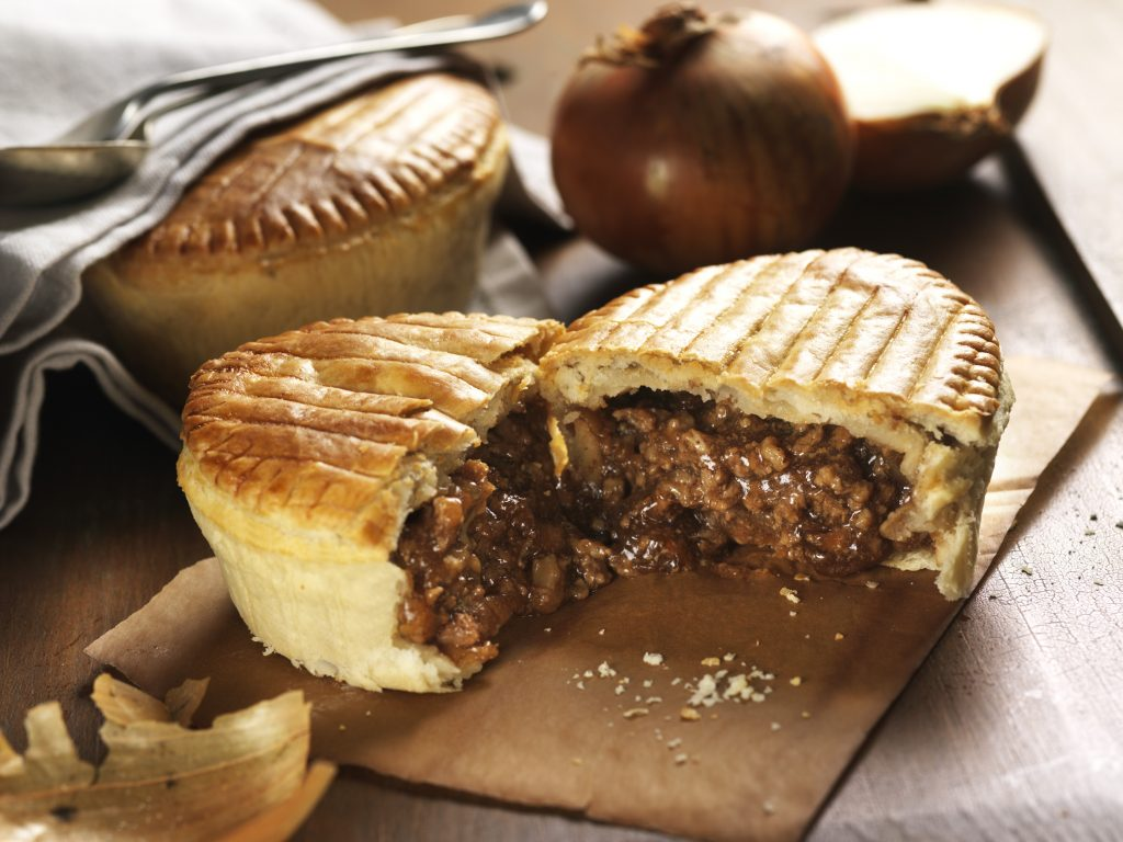 Minced Beef & Onion Regal Pies x12 - Lewis Pies